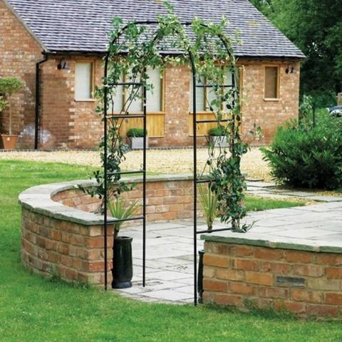 Arco decorativo per giardino