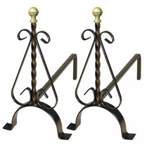 Coppia di alari per camino in ferro battuto con pomolo in ottone